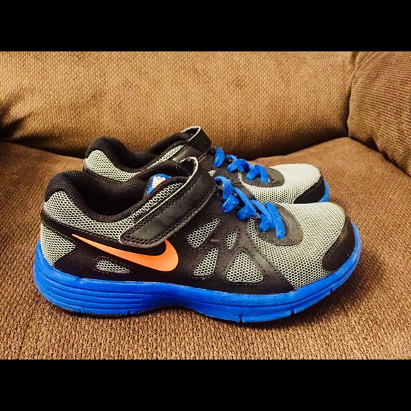 Size 33 Shoe In Us.Nike Boys Shoes Size Us 1 5 Yw Uk 1 Eur 33
